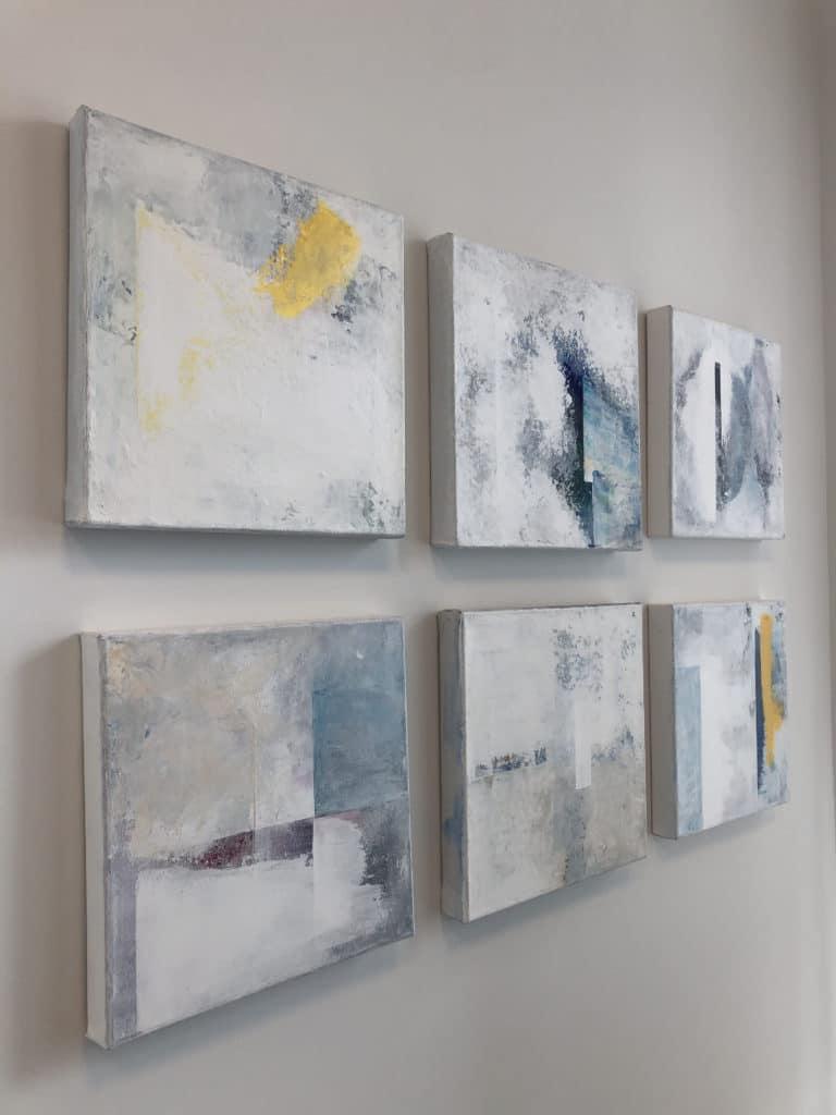 Mina mindre tavlor i akryl visas på Ateljé & Galleri Ewa i Stadsparken 6 Tyresö.